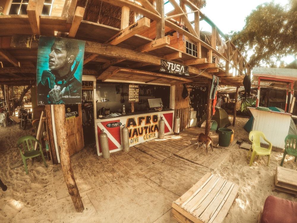 Afro Nautica Cartagena Dive School Playa Blanca Isla Baru Colombia