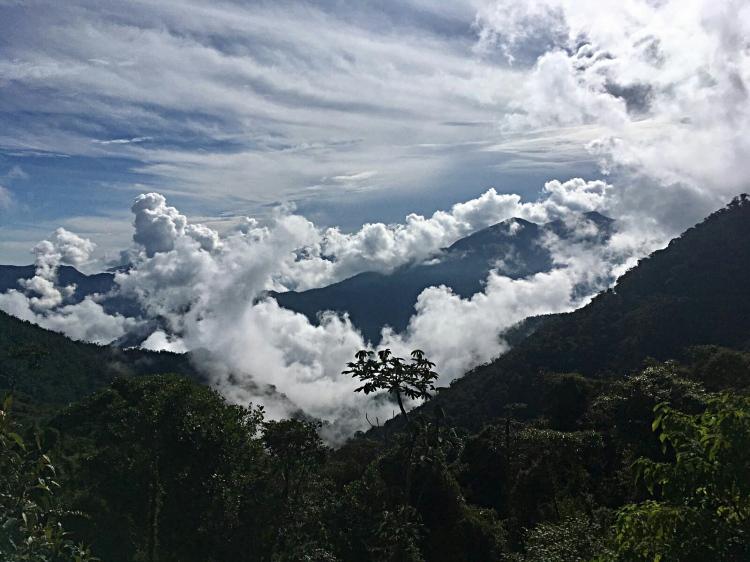 Uitzicht vanaf the road of death tussen Pasto en Mocoa Colombia