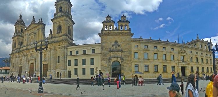 Plaza Simón Bolivar - Bogotás Regierungszentrum